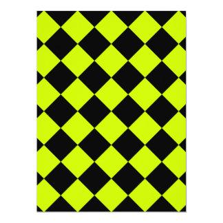 Diag a cuadros - amarillo negro y fluorescente invitación 16,5 x 22,2 cm