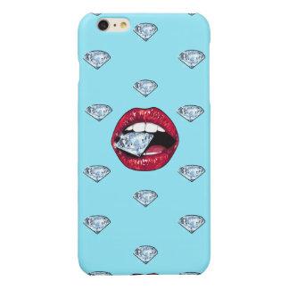 Diamante elegante de los labios femenino