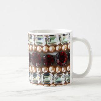Diamantes artificiales y perlas - joyería del taza de café