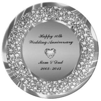 Diamantes corazón y aniversario del brillo de la plato de porcelana