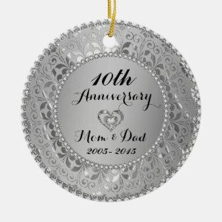 Diamantes y 25to aniversario de boda de la plata ornaments para arbol de navidad