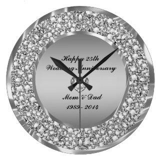 Diamantes y 25to aniversario de boda de la plata reloj redondo grande