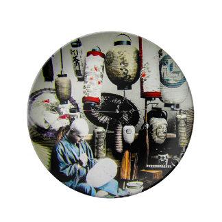 Diapositiva de linterna mágica el pintor Japón Plato De Porcelana