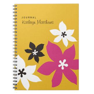 Diario moderno grande del flor del amarillo del es libro de apuntes con espiral