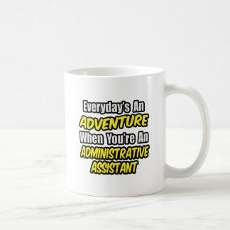 Diario un ayudante administrativo de la aventura… taza de café