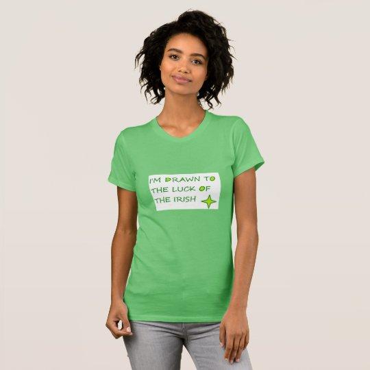 Dibujado a la suerte de la camiseta verde