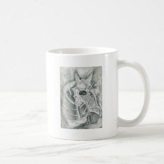 Dibujo acorazado del caballo taza de café