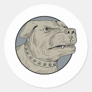 Dibujo agresivo de la cabeza de perro guardián de pegatina redonda