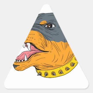 Dibujo agresivo de la cabeza de perro guardián de pegatina triangular