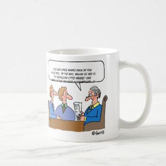 Dibujo animado del ejecutor del abogado de la taza de café