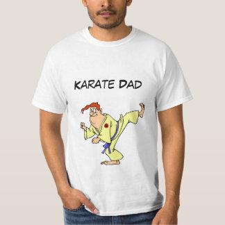 Dibujo animado del karate de la camiseta del valor