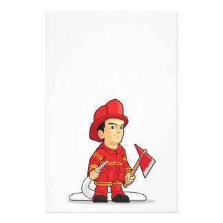 Dibujo animado del muchacho del bombero tarjetón