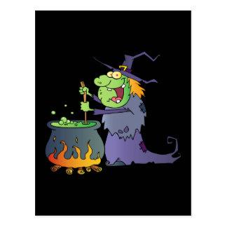 Dibujo animado divertido de la bruja de Halloween Postal