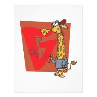 dibujo animado divertido de la jirafa de la pintad tarjetas informativas