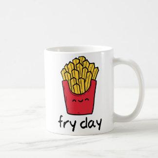 Dibujo animado feliz de las patatas fritas de taza de café