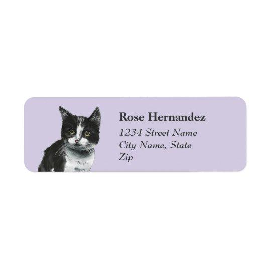 Dibujo blanco y negro del gatito etiquetas de remite