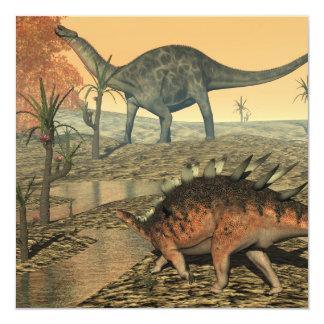 Dicaeosaurus y dinosaurios del kentrosaurus invitación 13,3 cm x 13,3cm