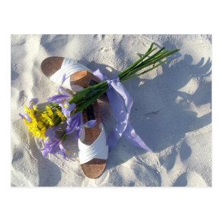 Dicha del boda de playa tarjeta postal