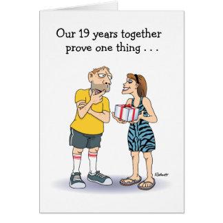 Diecinueveavo tarjeta divertida del aniversario: A