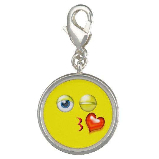 Dije Soplo divertido un smiley de Emoji del beso