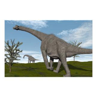 Dinosaurio del Brachiosaurus que camina - 3D Papelería