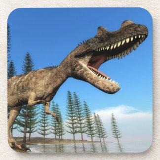 Dinosaurio del Ceratosaurus en la línea de la Posavasos
