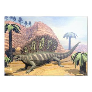 Dinosaurio del Edaphosaurus que camina en el Invitación 12,7 X 17,8 Cm
