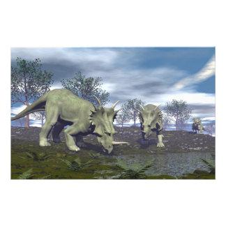 Dinosaurios del Styracosaurus que van a regar - 3D Papelería