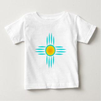 Dios del sol de la turquesa camiseta de bebé