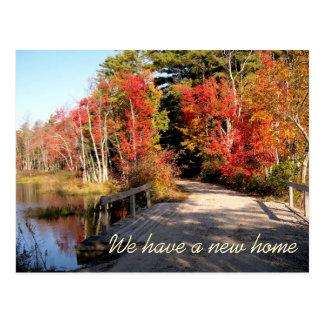 Dirección de la temporada de otoño del puente de postal