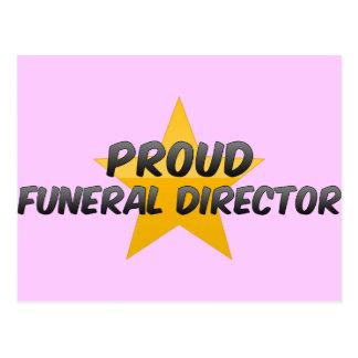 Director de funeraria orgulloso postales