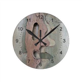 diseñado por la naturaleza reloj redondo mediano