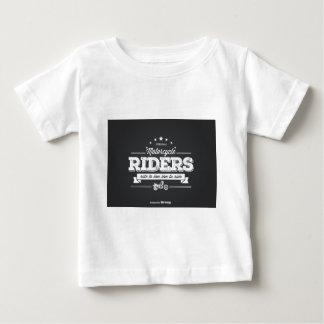 Diseño 76009.ai de la camiseta de los jinetes de
