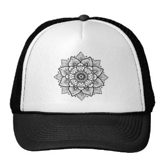 Diseño adornado floral negro de la mandala gorro