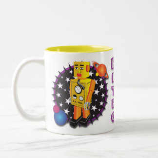 Diseño amarillo de la taza del robot de la lata