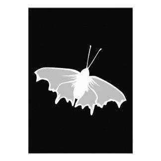 Diseño blanco y negro de la mariposa