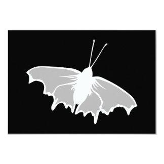 Diseño blanco y negro de la mariposa invitación 8,9 x 12,7 cm