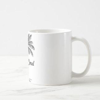 Diseño blanco y negro del coral y de la palma del taza de café
