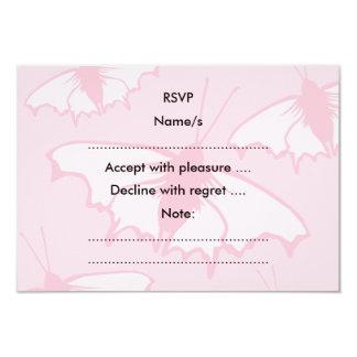 Diseño bonito de la mariposa en rosa en colores invitación 8,9 x 12,7 cm