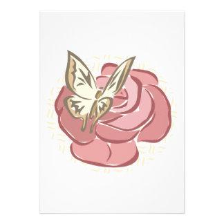 diseño color de rosa y de la mariposa bonito comunicado personalizado