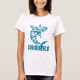 Diseño contemporáneo del remolino de los tiburones camiseta