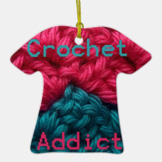 Diseño de CrochetAddict part1 C2C Adorno De Cerámica En Forma De Camiseta