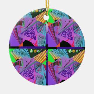 Diseño de funcionamiento en las púrpuras para los adorno navideño redondo de cerámica
