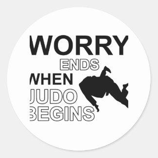 Diseño de la camiseta del judo pegatina redonda