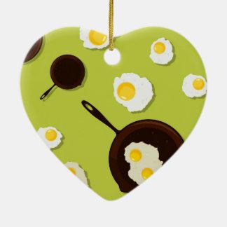 Diseño de la comida de la diversión de los huevos adorno de cerámica en forma de corazón