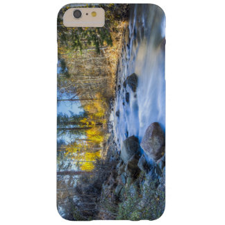 Diseño de la corriente de la montaña de Sierra Funda Barely There iPhone 6 Plus
