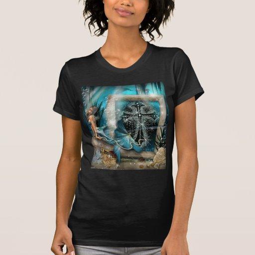 Diseño de la cruz del diamante artificial de la si camiseta