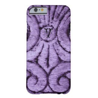 Diseño de la flor de lis (púrpura) funda de iPhone 6 barely there