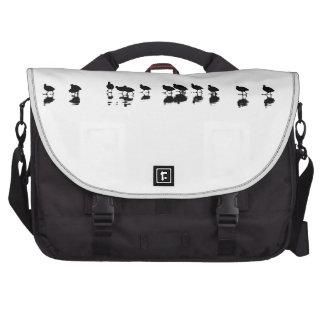 Diseño de la focha - negro en blanco bolsas para portátil