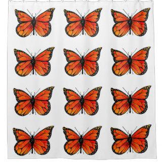 Diseño de la mariposa de monarca en la cortina de